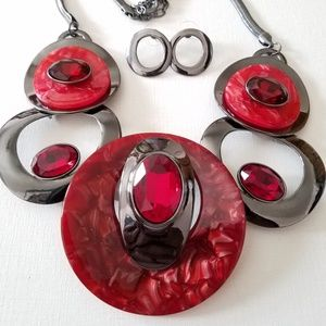 Red glass stone metal necklace